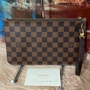 Authentic Louis Vuitton Wristlet Mm De